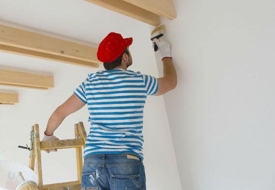 איך אפשר לחסוך במחיר צביעת דירה והאם משתלם לצבוע לבד?