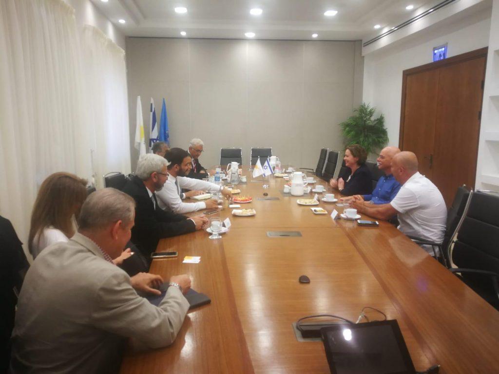 ראש עיריית חיפה וסגן שר התיירות של קפריסין דנו בדרכים לשיתוף פעולה בין חיפה לקפריסין
