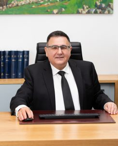 עורך דין חיים ברוטמן