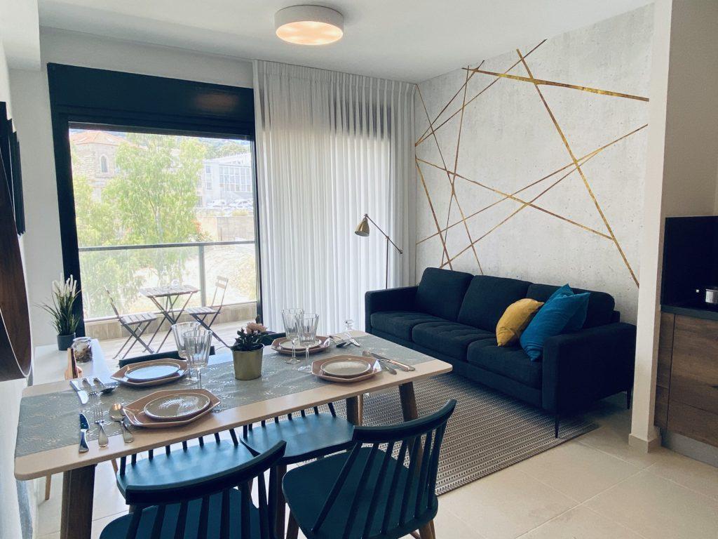 דירת 2 חדרים לדוגמא בבניין להשכרה בפרויקט הרובע של גולדן ארט